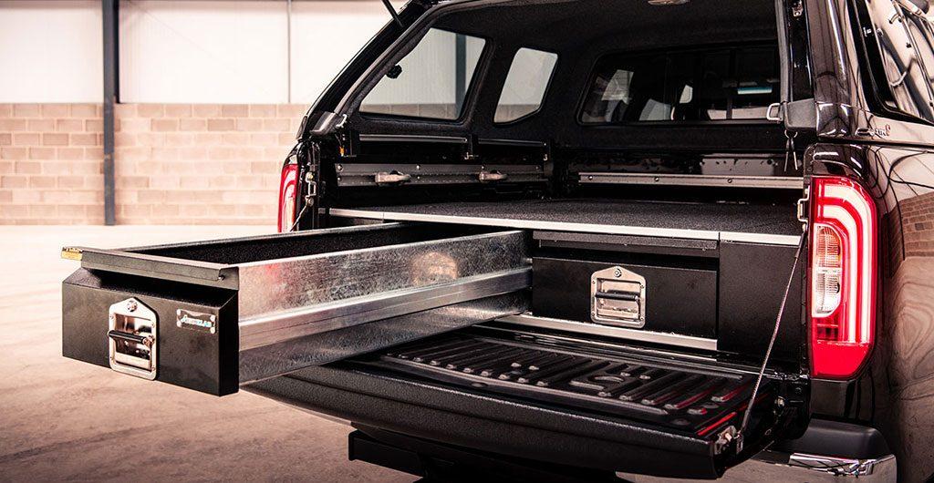 Pickup load bed drawer system.