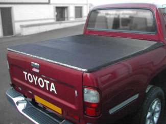 Toyota Hilux 1998-2005 Double Cab Tonneau Cover – Rail with Hidden Press Snap With No Ladder Rack