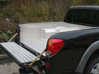 Mitsubishi L200 2005 Onwards Curved Bed Model Alloy Load Bed Liner