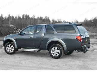 Mitsubishi L200 extra cab fitted with Carryboy Leisure truck top