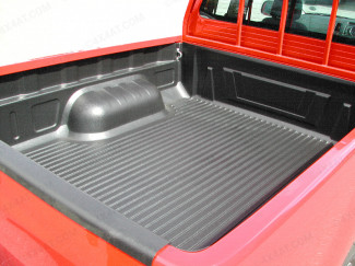 Mitsubishi L200 fitted with the Under Rail Bed Liner