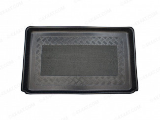 Tailored, fitted boot liner tray for the Renault Captur (2014 on) with anti-slip carpet, ribbed surface and lip, perfect for protecting the carpet area of your boot.