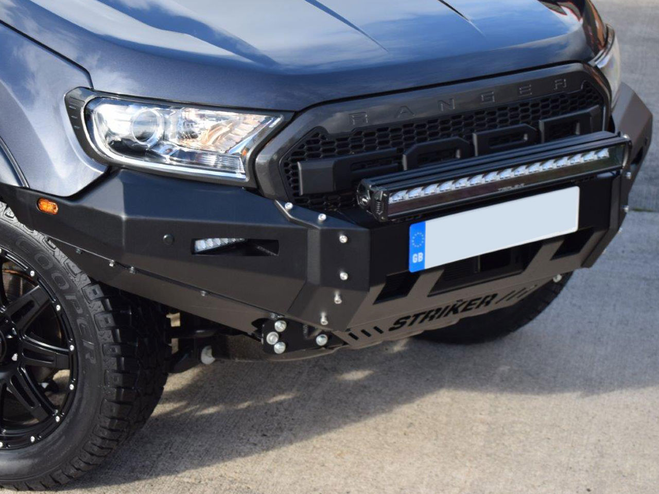Ford Ranger 2016 On Raptor Style Grille with Hawk Logo and White LED/'s