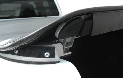 Side view of the opening ofthe soft hidden snap tonneau cover